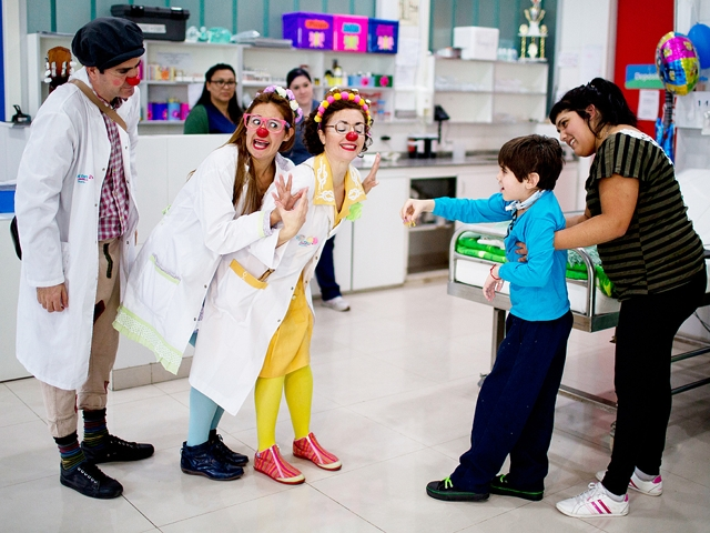 Clowns in Buenos Aires hospital